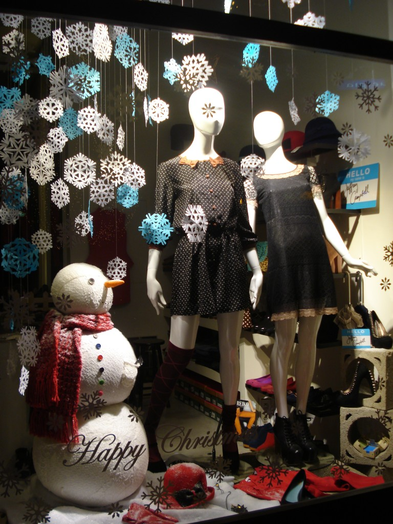 blender-christmas 2012-athens-window-display
